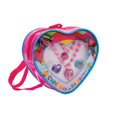 TROLLS NECKLACE, BRACELET AND 2 RINGS JEWELLERY SET IN HEART-SHAPED RUCKSACK